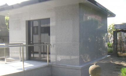 T寺納骨堂外観 鉄筋コンクリ柱と剛壁工法のハイブリット構造