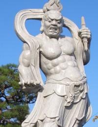 信光寺 石像(仁王像)